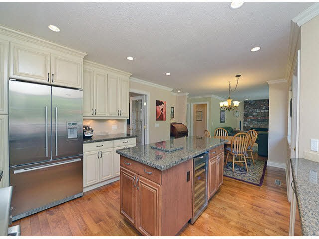 OCEAN PARK'S CHATHAM WOODS. It all begins with an extensive renovation by a DESIGNER/ARCHITECT. RARE 5 Bdrm, 4 bth home w/2 Ensuites. FABULOUS FLOWING FLOOR PLAN w/ rich oak floors, formal living / dining, open family / kitchen area, bdrm/den on main w/3 pc ensuite, elegant powder rm, UPDATED CHEF INSPIRED KITCHEN featuring gorgeous Thomasville cabs, granite, high-end appliances. All this pouring out onto PRIVATE b/yard Wow! BE INSPIRED! Upstairs: Large mbdrm is your retreat at days end with SPA-LIKE 6 pc ensuite featuring heated travertine floors, claw foot slipper tub, huge travertine shower, & his/hers sink. Wide hallways & staircase. Bright loft/study. Roof 2012, Furnace 2005 & the reno list goes on.