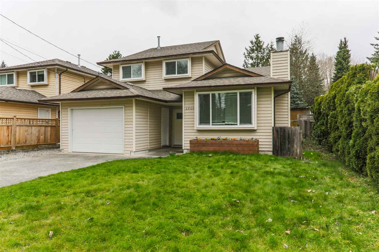 Great value!  Beautiful 3 bedroom home on large lot centrally located.  Large bright kitchen opens up to massive entertainer deck and fully fenced yard in back.  Great for parties or kids.  Huge master with walk in closet.  Great first home or downsizing.  In the heart of the Rivers Edge Heritage Area close to shopping, restaurants, pub and across street to West Coast Express.  Open house sat sun April 7/8 2-4pm