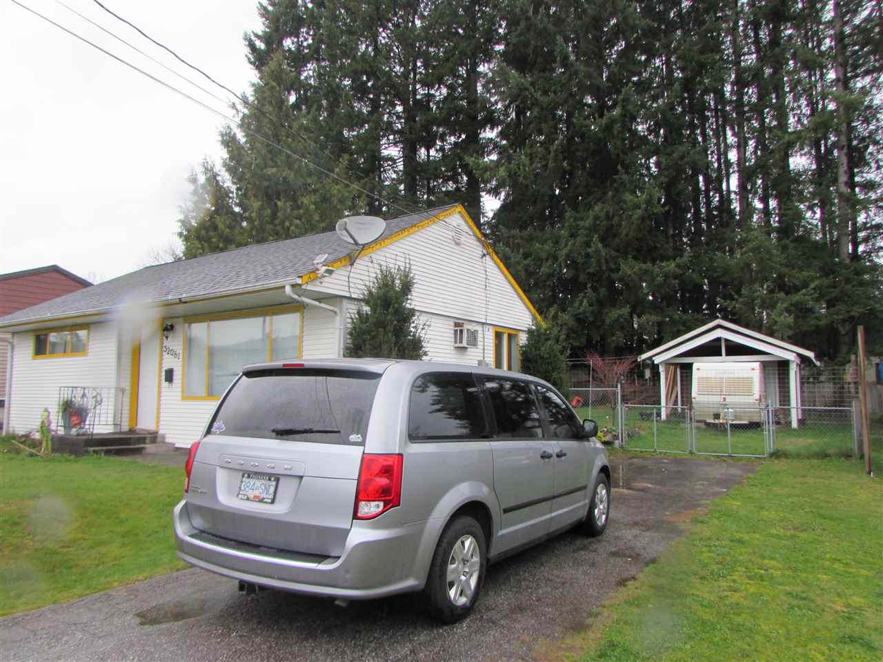 Well Maintained 2 Bedroom Rancher on large 7860 SqFt lot. OCP Says Multi Family. Large workshop at back. Vacant July 1st. Elementary school behind house. Walking distance to Mission Hospital. Very central location. Older House. Collapsed Sale. Still Available.