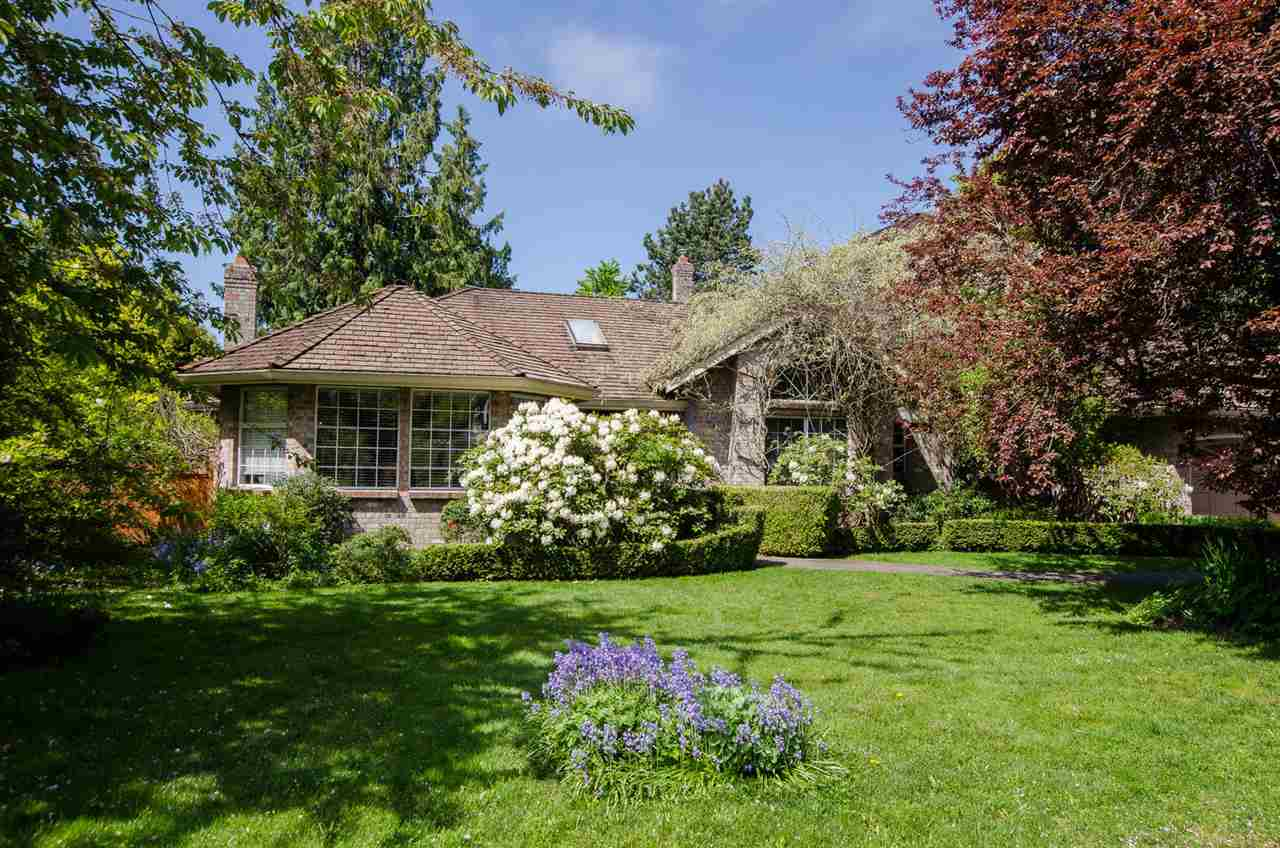 3700sqft charming house sitting on 14000sqft lot, bordered by park land green belt, located on a beautiful private street in Amblegreene half acre density zoning area, one of the most desirable neighbourhood in South Surrey/White Rock. Plenty of South/West sunshine in the fenced yard and large sundeck. Close access to both levels of great schools. 4 bedrooms up plus nanny's or in law quarters on the main. Large family room, generous size kitchen & dining room with access to sundeck. A rare find!