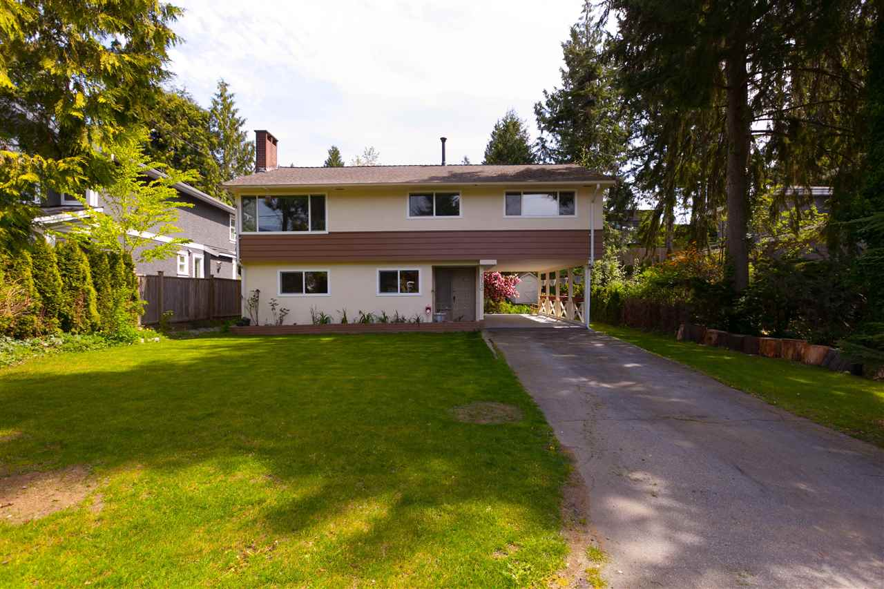 LOCATION! Great opportunity in Edgemont! Perfect place to invest and start a family. Educate your children at the best schools such as: Cleveland Elementary and Handsworth Secondary School. Walk to Edgemont Village and enjoy Vancouver?s natural beauty at Capilano Suspension Bridge Park. Do not lose this opportunity! Open house Saturday & Sunday 2:00 to 4:00 PM