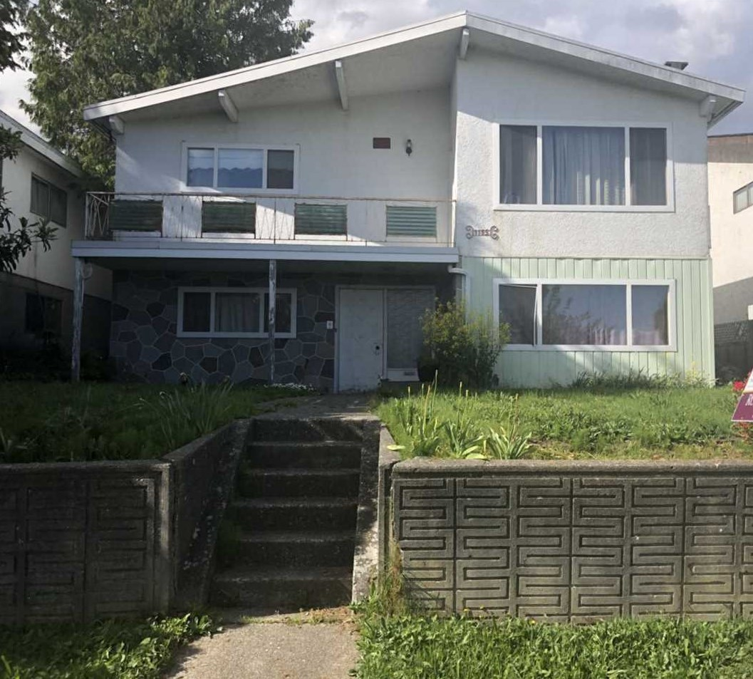 Investors and Builder?s ALERT! Centrally located in a quiet neighbourhood. South facing and panoramic view of Richmond. Close to public transportation & walking distance from Sunset Park, Elementary and Secondary Schools and minutes from Langara College. Great opportunity for rent out or rebuild.