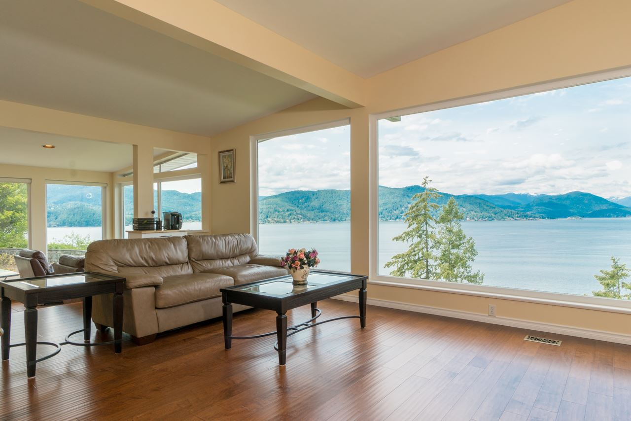 Outstanding breathtaking views!Quiet location. Seller did renovation in 2015: new kitchen, new floor,new windows, new wall painting.Sunny and bright lot! Close to Whytecliff Park. The home offers a spacious open floorplan highlighted by a glass wall of windows. Option to live in well and build later on this large almost 19,000 sqft lot. Motivated seller! Bring your offer!