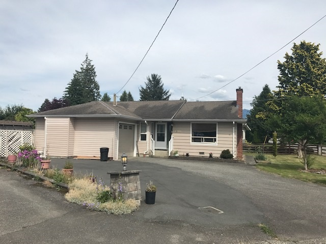 Immaculate rancher on large private lot! Check out this very well maintained 1246 sq.ft. 3 bedroom rancher on large private 77979 sq.ft. lot! Lots of room to garden! 2 covered sundecks. Detached 12' x 14' workshop or garden studio suite. This home is located in a great location, within minutes to shopping, churches, schools, recreation & easy freeway access. Great value. Call for details & your persona tour!