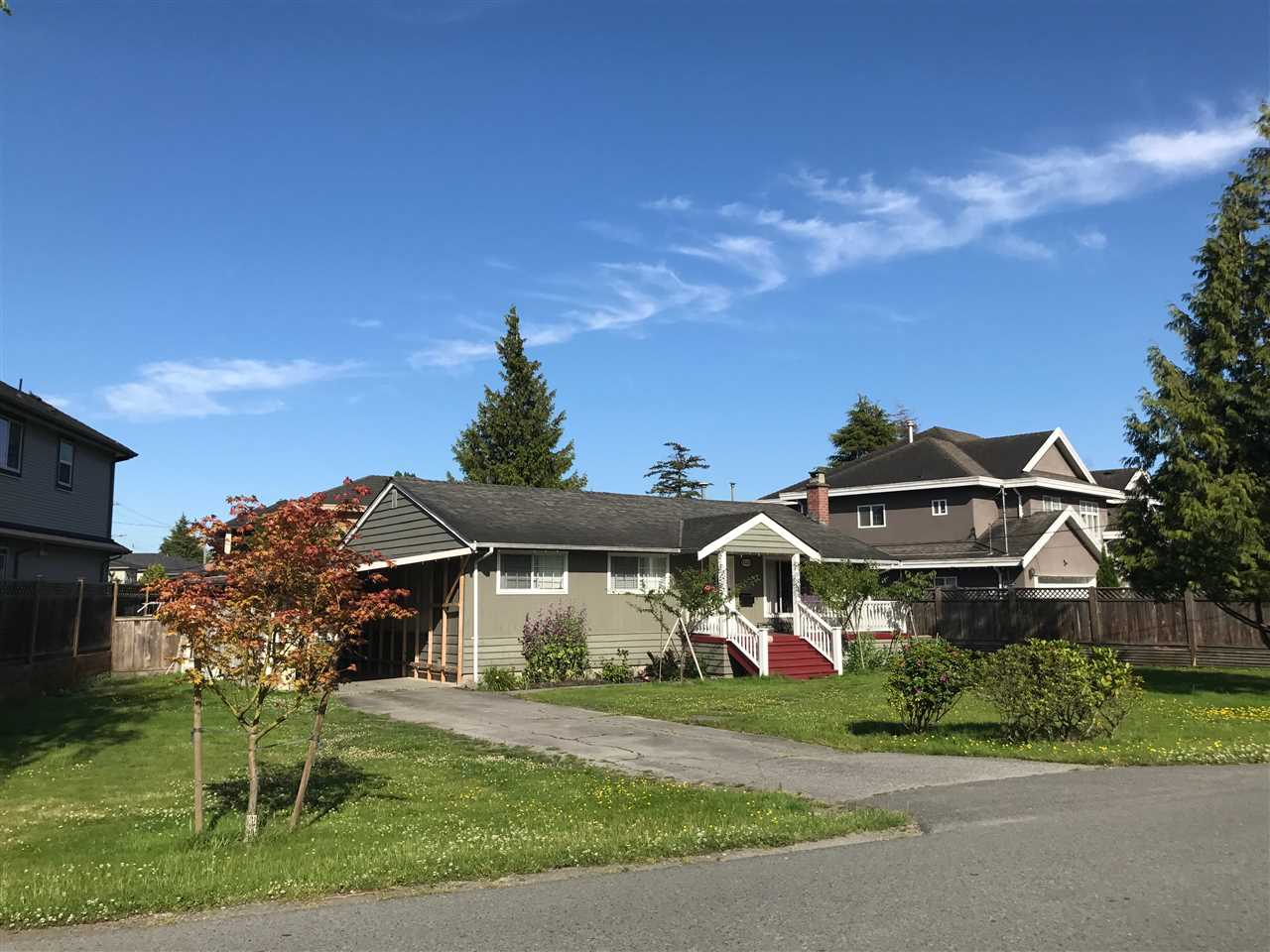 Huge lot with a very nice ranch in the popular McNair area. Owners have beautiful maintained this 1700 sq ft ranch style home with gorgeous addition! Owner keep the house in good condition & would work well for moving in. Realtor is related with owner.
