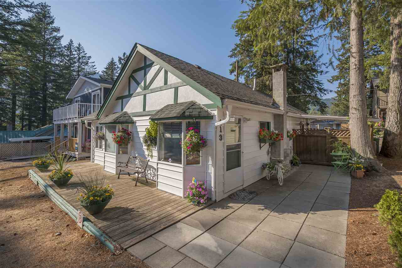 Beautiful 3 bdrm cottage, steps from the beach at scenic Cultus Lake. Nice kitchen, cozy up to the gas f/p in spacious living rm. Bath boasting jetted tub, vaulted ceiling & skylight. Easy care laminate flooring. Private, covered patio in fenced yard. lane access. Walk to all amenities, theme park, water slides, restaurants, golfing etc. Great income for investors. Only 90 minutes from Vancouver. Shows great.