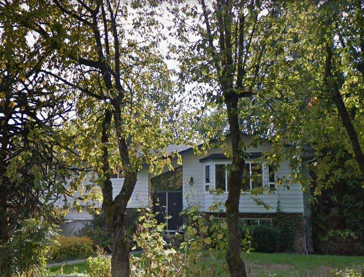 Big basement entry home in a great family area of Panorama Ridge on the Delta side. Good sized rooms though-out with 3 bedrooms plus family room upstairs and a 1 bedroom + den licensed suite in basement. Good rental income, good tenants. Easy access to freeway.