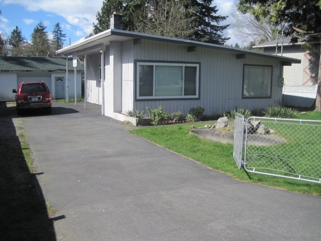 Builders/Investors ALERT!!! Hold now build  your Dream Home later. Very centrally Located beautiful rancher close to schools, transit and shopping. newer flooring. Roof five years old. Detached car Garage/Workshop with voltage 220 Amps.