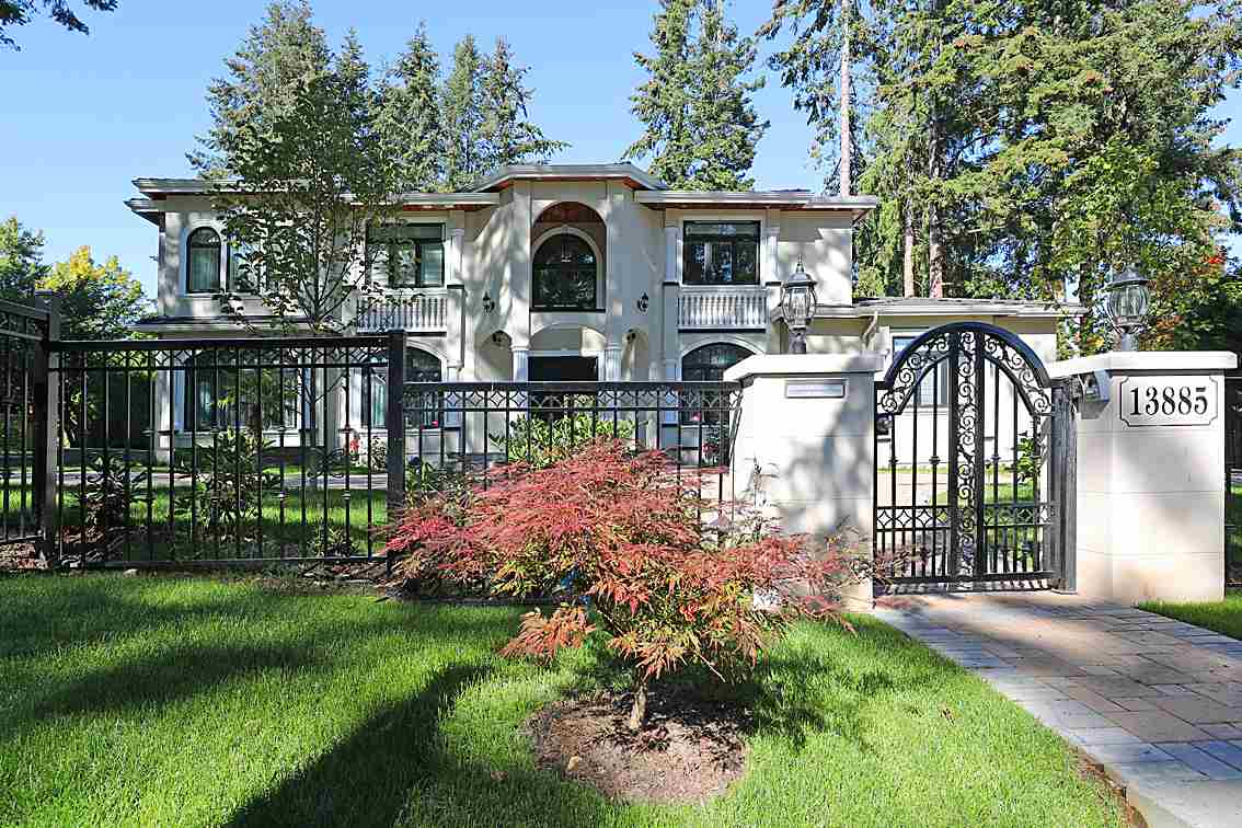 2 levels Brand New house! 6755 sqft, 6 bedroom 7 bathrooms. Situated on a beautiful 29543 sqft lot, located in the heart of Central Elgin area of South Surrey. Best school. Elgin High. Top of the line appliances, wine cellar, fully equipped media room, Radiant heating , Air- conditioning, one bedroom on the main, all 5 bedrooms with ensuite, big entertainment island kitchen and wok kitchen.