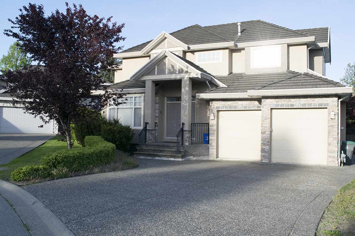 Welcome to this well maintained home located in the prestigious area of Fraser Heights. A spacious home (3,862sf) on a lot of 6,113 sf. It features 7 large bedrooms, a gourmet open concept kitchen with gorgeous cabinets, stainless steel appliances, plus a big island and pantry. Supreme quality and finishing with additional details and craftsmanship throughout the house. the basement hosts a spacious recreation room and a functional home office with extra 2 more bedrooms with closets., all with a private entrance from the yard. The yard is perfect for entertaining with covered patio, gated and fully fenced. Double garage with additional parking available. Close proximity to Pacific Academy.