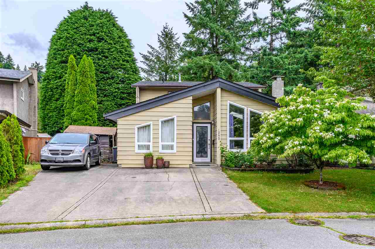 This sweet single house is located in the quite and convenient River Springs community. Minutes to Coquitlam Center, Douglas College and Sky Train Evergreen Line. Steps to daycare, preschool and elementary school. Renovated include central A/C(2015), hot water tank(2015), roof(2013). You and your family can enjoy your life with outdoor pool, tennis court, private lake and so on in River Springs Community.
