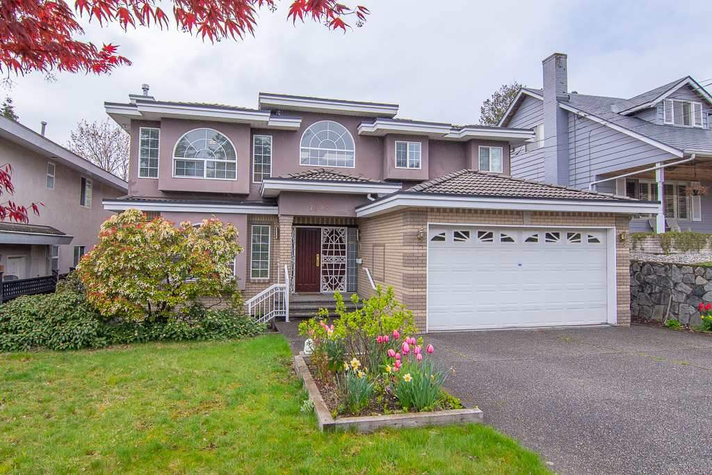Welcome to the Stunning custom-built Elegant home, sitting on a huge lot of 9690 sf, in most desirable Metrotown area. Functional layout w/ open concept, Featuring 6 beds and 6 baths, perfectly sized living room & family room with top quality built kitchen on main floor make a great living area for family. Upper level comes 4 ensuite bedrooms with lots of natural light by skylights. One bedroom suite in basement could be a good mortgage helper. Facing west backyard provides huge imaginary space for your gardening. 5 mins driving to Metrotown, close to library, central park and shopping mall. Come over and try your OFFERS ! ! !