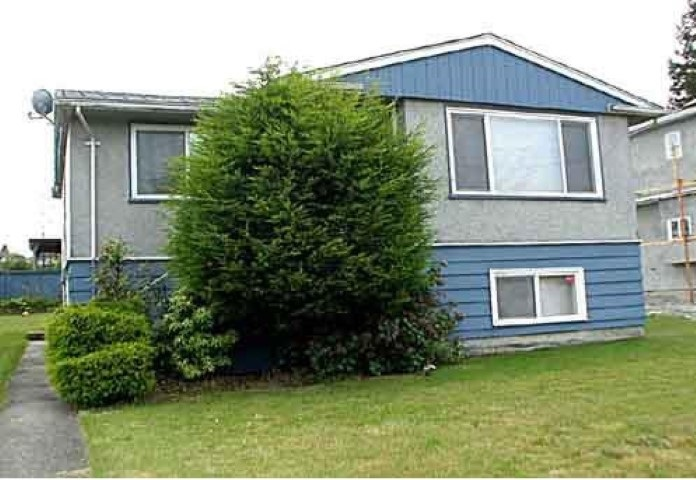 INVESTORS!!! BUILDERS!!!! A great 8052 sqft Duplex lot. Perfect property for development. 66'x122' building lot R5 zoning. Unobstructed mountain and North Burnaby view, great location, close to Burnaby Hospital, BCIT and Brentwood Mall. Property is steps away from transit, shopping and schools. Easy access and minutes to sky train stations. Don't miss out! This property is currently rented for $1600/month.
