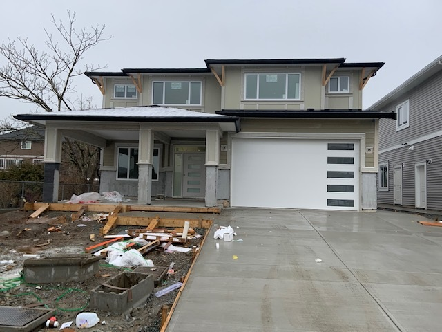 Very Large and Perfect Brand new house for growing family or ample room for Parents. Fully finished 2 or 3 bedroom Legal Suite with 2 baths. Up stair has 2 master bedrooms. Total 6 bdrm , 5 baths, Gas fireplace, Beautiful and large Kitchen loaded with cabinets. Over 4000sqfts including garage ,  Covered sundeck and  large patio for entertainment. Excellent location in the area of new homes with walking distance to all the services. Very tastefully finished with lavish wood work. Large Tile entry and  large Laundry area finished with closet organizer. Front porch size is 11 x 11' which adds extra feature. Comes with full warranty.