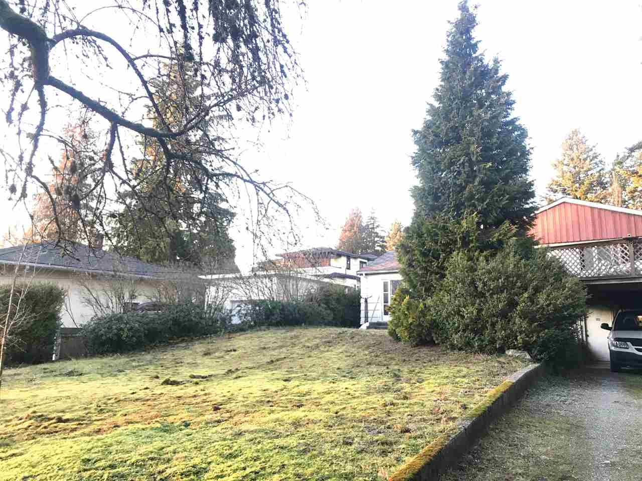 ATTENTION BUILDERS AND INVESTORS. 73x279 ft huge lot. Quiet and tranquil outlook over a nice residential neighbourhood, steps to Burnaby Mountain Golf Courses. Catchments schools are Burnaby North Secondary and Montecito Elementary. Central to shopping and recreation.