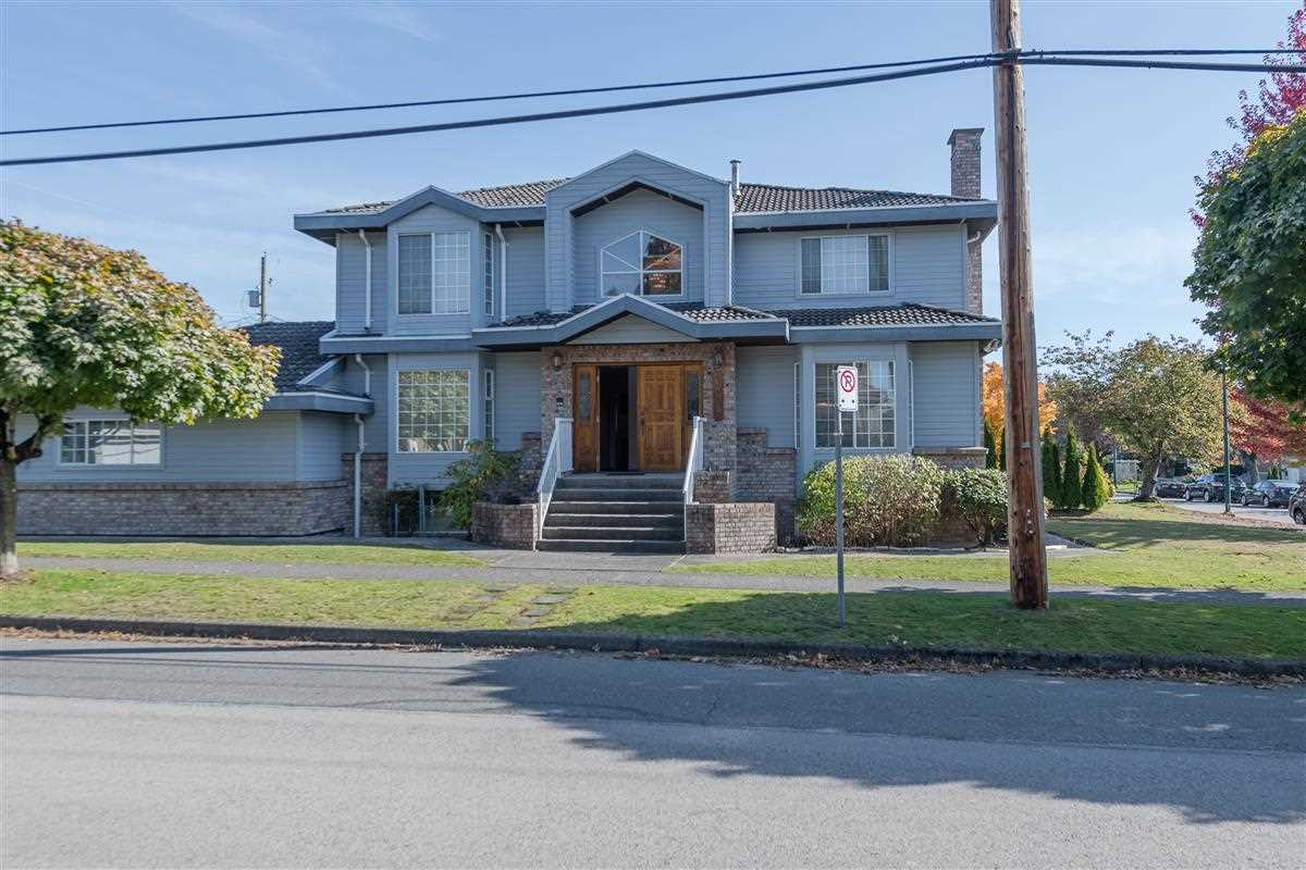 This beautiful 1986 custom  built home is located in the heart of Cambie. Large comer level lot measuring 51.85 X 121.8 feet. Original owner.This 6 bedroom, 5 bathroom,3 level house with 3,828 sq. ft. living area is ready for your renovation  ideas.Potential  to fully finish basement with own separate entrance.Lots of storage space.Triple attached garage and 2 skylights. Very centrally located with easy access to everything!One block away from Langara campus and golf course as well as from transit taking you directly to UBC and Metrotown. Short walking distance to the Canada Line, YMCA and the Oakridge Mall. School catchrnents: Sir William Van Home Elementary, Eric Hamber Seconday and Sir Winston Churchill Secondary(French immersion) .The lot is also an excellent building lot. Open house Feb 16 12 - 2pm