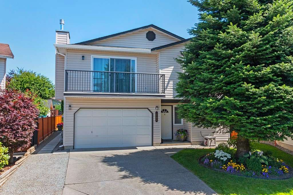 WOW! A perfect 10. Completely remodeled. This 4 bedroom + den (could be 5th bedroom) and 3 bathroom home features a gorgeous gourmet kitchen with custom cabinets, quartz counters, island, stainless steel appliances & gas stove. Quality laminate flooring and tile throughout. High end gas fireplace. Master bedroom with deluxe ensuite bathroom. Renovated main bathroom. Newer lighting. Newer doors & trim throughout. Newer vinyl windows. 2 large sundecks. Fully finished daylight basement with separate entrance, bedroom, den & room for extended family. Reno'd 4 piece bath down & separate access to laundry. Private yard & patio with new fence and wired 10 x 10 workshop. Views over pastoral farm land. Garage. Situated in a quiet cul-de-sac near schools, shopping, parks, recreation & public transit
