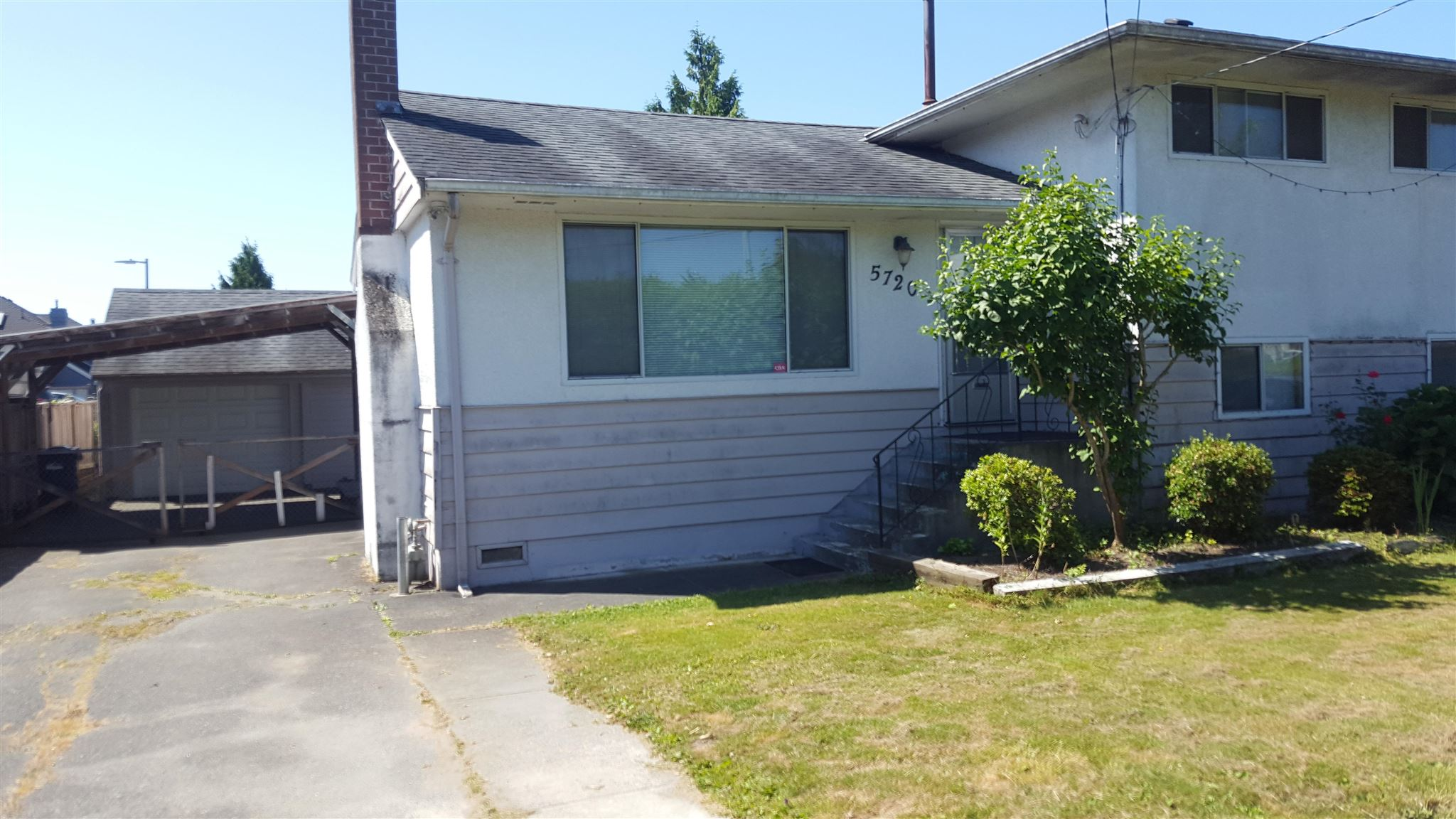 10896 sf (66x165) of land near #2 and Francis Rd, southern exposed split level 4 bed rooms 2 bath rooms, minutes to all amenity, bus stop, Jessi Wowk Elementary & Steveston-London Secondary, back lane right beside the property, potential secondary suite. 7-11 & others right cross the street