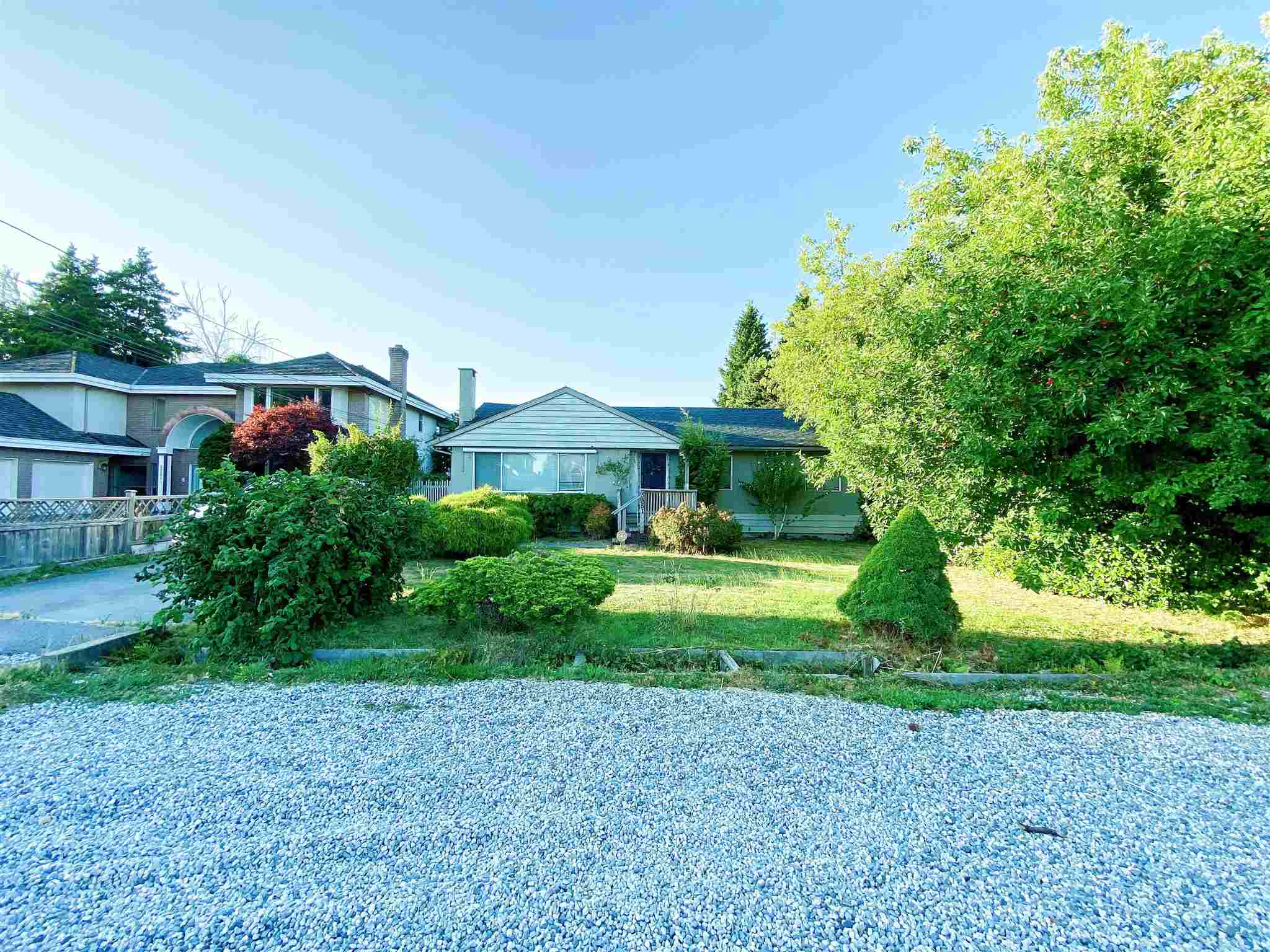 """?Great Opportunity"""" to own a large size lot and build your own house. The value is mainly on the land, Very quiet streets and neighbors, facing to the south. Walking distance to Blundell Center less than 10 minutes."""