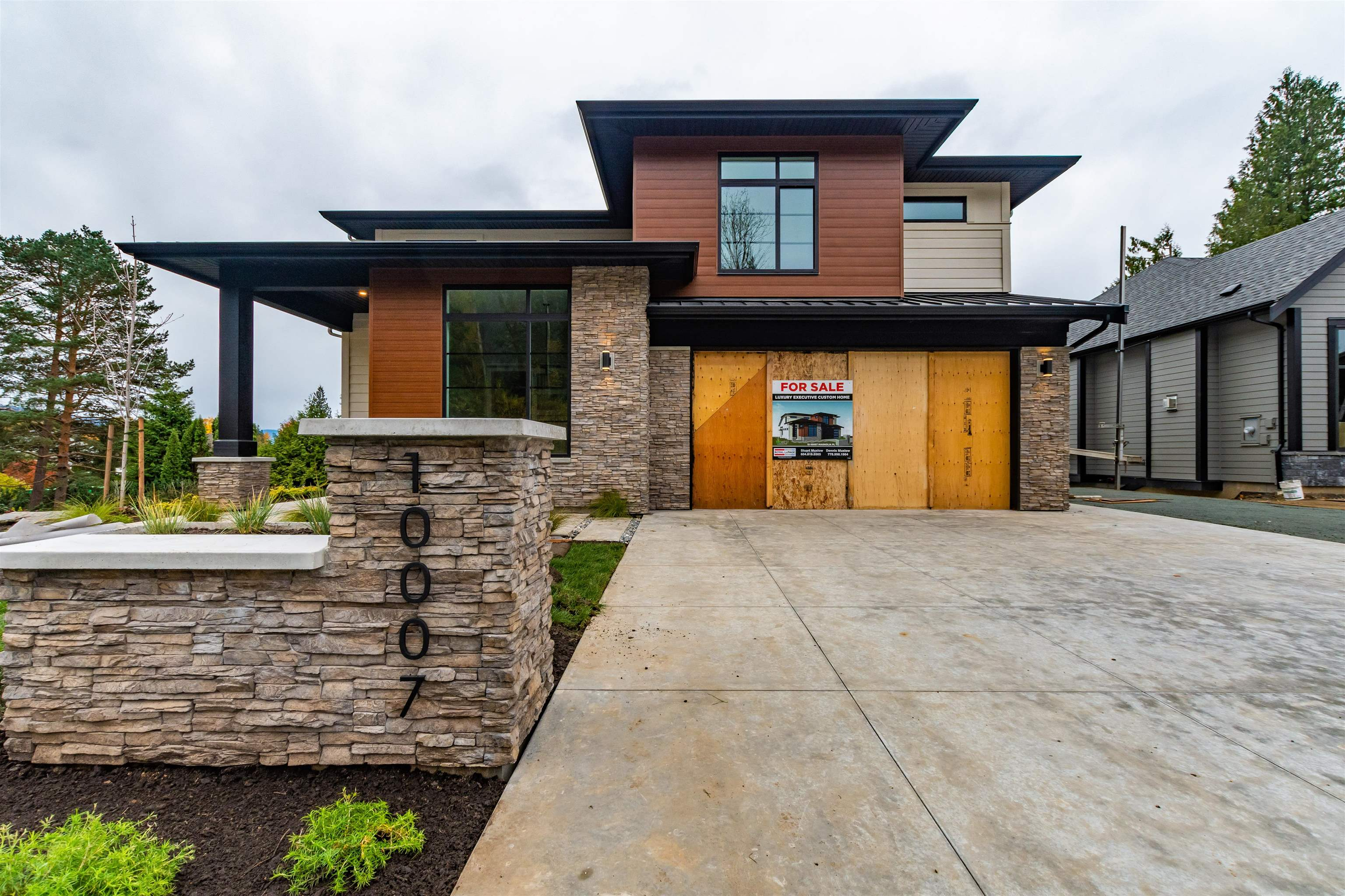 Brand new luxury home in The Gardens! Join this private Rosedale neighborhood surrounded by mountains and nature. Located just 10 min from Chilliwack with great highway access, enjoy all the privacy and serenity of rural living with the convenience of city life. This 5 bedroom, 4 bath home features almost 4,000 sqft of living area in an open concept floorplan. Main floor features stunning kitchen and dining area, expansive great room with cozy gas fireplace and access to large outdoor living area off of kitchen. Upstairs boasts a huge master retreat featuring oversized walk-in closet and ensuite bath with dual sinks, separate shower and soaker tub along with two more bedrooms. Basement includes 2 bedrooms, 2 large flex spaces and roughed in wet bar. Plenty of parking! Bring the RV!