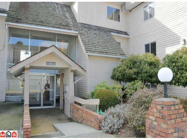 SUNGOD VILLA, shows well new carpets freshly painted updated bathroom, 2 bedrooms, open floor plan east facing balcony. Summer fun at great open pool, 19+ age, gated secure parking, RV parking, cable, heat and hotwater included in maintenan ce fees, free shared laundry, seniors center next door close to shopping and cheaper than renting. Easy to show.