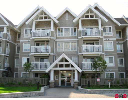 Investor Alert! No restrictions on this 1-year-old unit in Fairfield lane!  This  top floor end unit Dogwood plan is an excellent layout w/bdrms on opposite side s of unit, and a convenient office/den. Great view of Mt. Bakerfrom your big covered deck. Large master bedroom features walk in closet and ensuite. Great location and new home warranty!