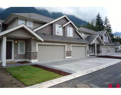 Two storey townhouse, 3 bedroom outside/corner unit at Riverwynd in Hope. Beautiful new complex located close to all amenities, recreation centre, Kawkawa Lake, library, shops and restaurants. Beautifully finished  with 4/pcappliance package, blinds, premium kitchen cabinetry, high efficiency furnace, etc.
