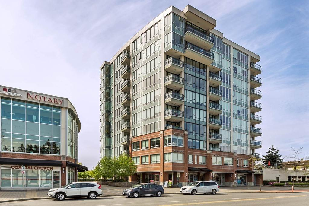STUNNING views from 10th floor! Executive condo walking distance to WCE and minutes to Golden Ears Bridge. This beauty has top of the line finishing, floor to ceiling windows, granite counters, s/s appliances, 10 foot ceilings, and master bedroom has an extra nook or den area for office with sliders to your patio! Well built, high quality building in Solaris! Rentals allowed, pets not allowed.