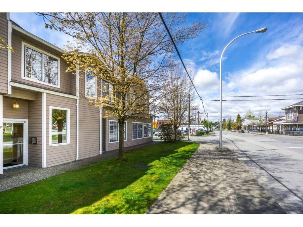 Large 2 bedroom 2 bathroom condo in the heart of Cloverdale! This unit boasts a big living room space with sliders out the covered deck, walkthrough kitchen, 2 big bedrooms, in-suite laundry and 2 parking spots! Low strata fee of $234. WE ARE LOOKING AT OFFERS TONIGHT 9PM