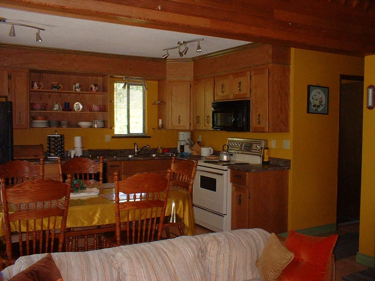 Great 3 bedroom 2 bath unit with a view of the ski runs. Located in the centre of the village just steps to the cross country trails system. The spacious living area features a gas fireplace with lots of windows. The owner is motivated to sell.