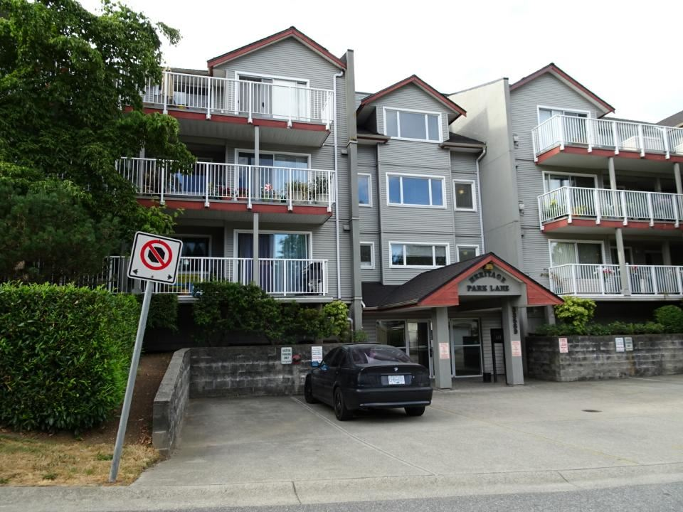 Heritage Park Lane. Top floor 2 bdrm, 2 bthrm condo. South facing very bright unit. Large insuite laundry room. Over 1000sq.ft. Walking distance to West Coast Express & Heritage Park. One underground parking space & a storage unit.