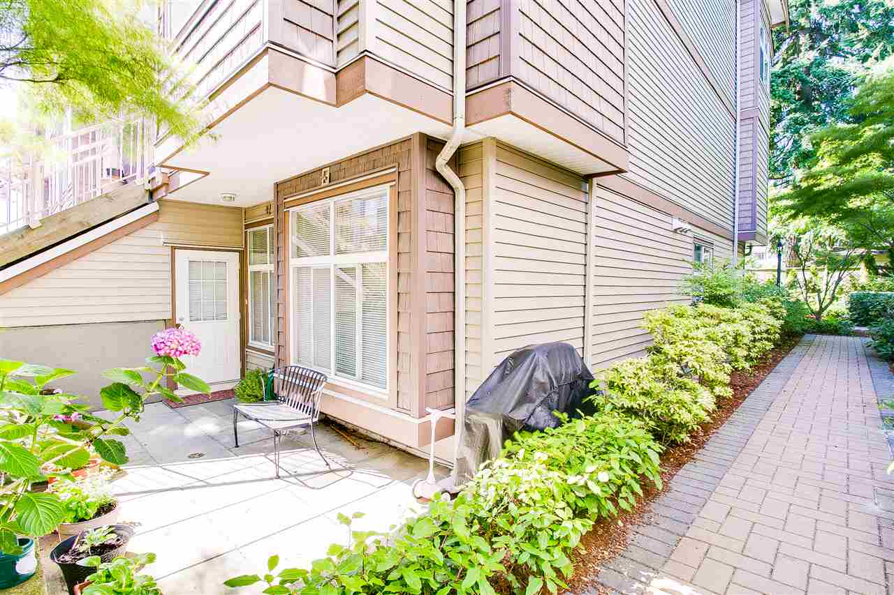 Fine end unit townhouse featuring 2 bedrooms plus den, 2 1/2 baths with a HUGE recreation room in the basement level. Walk-in closet in master bedroom, cozy electric fire place, S/S appliances, maple cabinet, black granite countertops and deep soaker tubs, engineered HW floor plus 9 foot ceilings. Most desirable location, walking distance to Metrotown, Royal Oak Skytrain & Schools. BONUS direct access to parking stall from the mud room and storage locker. OPEN HOUSE: Sat/Sun, August 5/6 @ 2PM-4PM.
