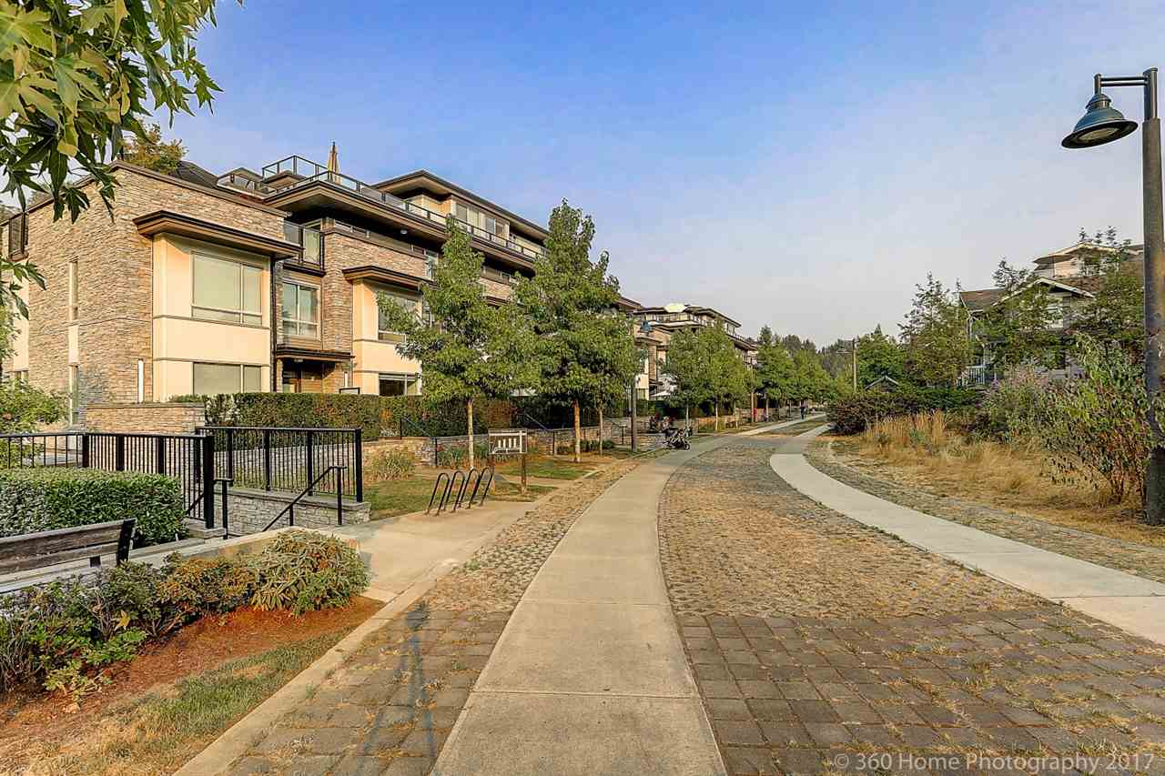 2 storey, 3 bedroom townhouse located at 'Green'. Stainless steel appliances, air conditioning cooling your summer. Walking distance to Edmonds Skytrain Station. Two side by side parking. Measurements are approximate, buyer/buyers agent to verify. Must see! Open house: August 27th  12-2 pm .