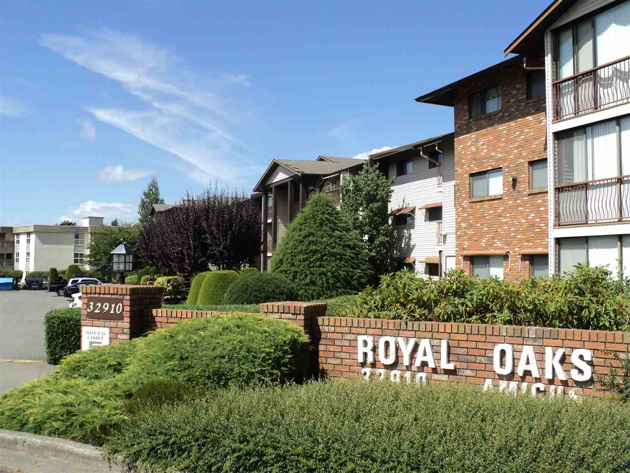 Royal Oaks 55+ one bedroom almost 700 sq. ft. on the ground floor located close to elevator and on the quiet side of the building. This well managed complex is located within walking distance to shopping, restaurants, transit and business services. Enclosed deck, storage locker and parking are conveniently located. Excellent visitor parking. No pets or rentals.