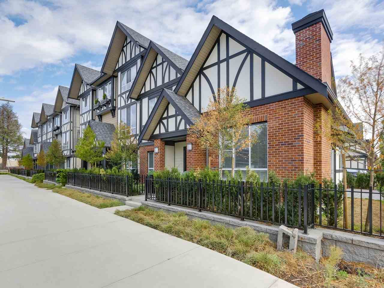 Kingsley Estates by Polygon! Rarely available 2 level luxury townhome in this collection. 4 bedrooms & 4 bathrooms. 3 up and one bedroom on main, double side by side garge, tons of upgrades, walking distance to the 1.5 acre London Park, Steveston London High School.