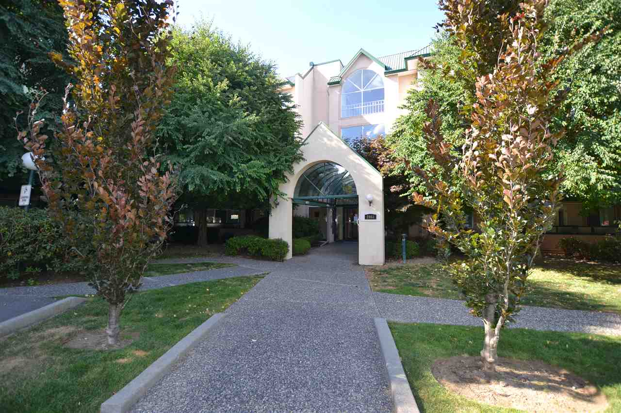 1180 sq.ft. 2 Bedroom plus Den in popular Cascade Green. Immaculate!!! Open floor plan with gas fire place in spacious Living room. Laundry and Storage room in suite. 2 full Bathrooms, eating area, large deck. Upgrades include refinished Kitchen cabinets, new stove and laminate in kitchen and entrance. Central location, walking distance to shopping, Rotary Stadium, Library, Art Gallery and all schools. Private spacious corner patio. Maintenance fee includes gas and hot water.