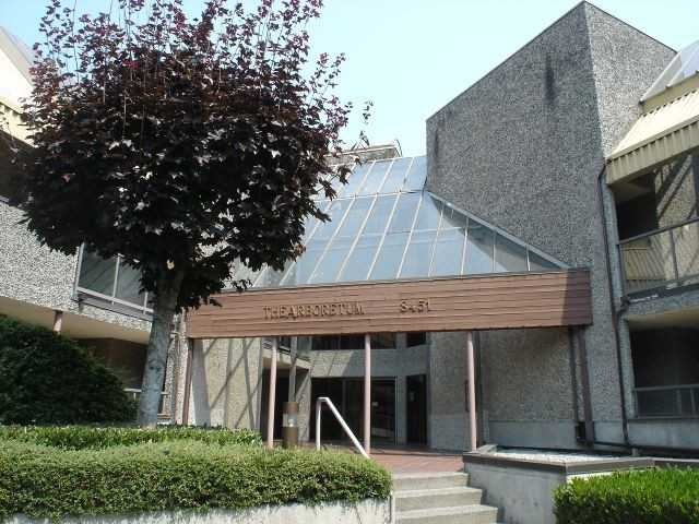 Popular Aboretum. Conveniently located 629 sq ft clean 1 bedroom unit with insuite laundry. Excellent for investors or 1st time buyers. Ready to move in anytime. Convenient Central Richmond location just steps to buses & shops, restaurants & Kwantlen College. Insuite laundry & storage.