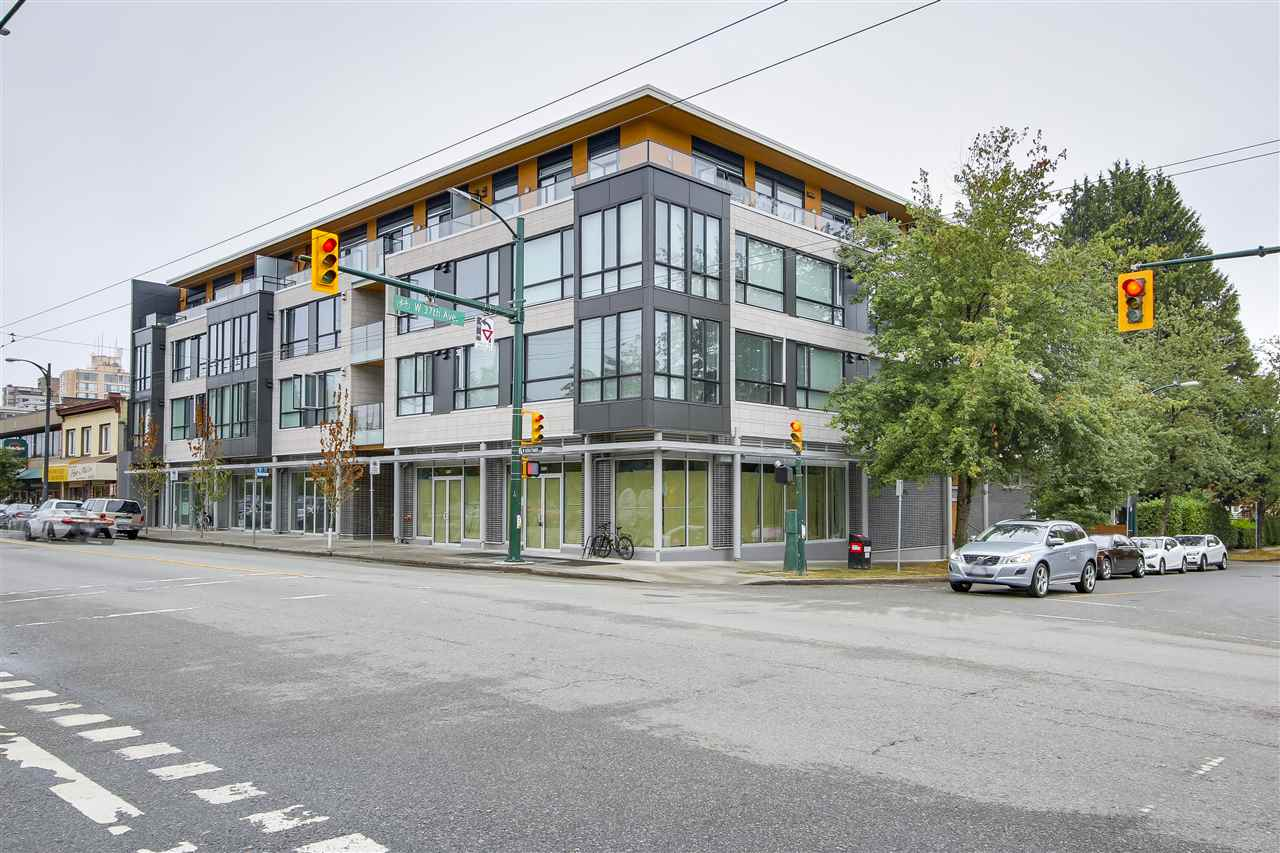 Rarely find BRIGHT corner unit in Kerrisdale. Huge window in the living room and floor to ceiling windows in the den(could be 3rd bdrm). North West facing. Located at quite side of the building, North shore mountain view, one of the best units in the building. 2 bedroom, 2bathroom plus den. Feature 9 feet ceiling, enclosed balcony, Fisher&Paykel stainless steel appliance, oak engineered hardwood flooring, Caesar stone countertops. Low maintenance fee including hot water and gas. Walking distance to Quilchena elementary and Point Grey high school. Close to PW and Magee high school. mins away to best private school in town, York House, Crofton and St George. 10 mins to UBC. Shopping, restaurant, bank all near by. 2-5-10 warranty is in place for your peace of mind. This one won't last!!