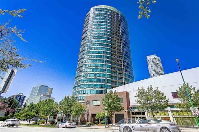 Rarely available Crystal Mall stunning 2 bedroom units, owner has updated the whole interior will all new stainless steel kitchen appliances, wood flooring, quartz countertop throughout and new paint. North West facing with protected North shore mountain view and evergreen tree scenery. This unit also has a generous size master bedroom and living room which is hard to come by nowadays. Low strata fee at only $268 yet you can enjoy 5 stars hotel amenities such as an indoor pool, sauna, hot tub, sky terrace and gym. Fantastic Location with supermarket, restaurant, and public library all at your floor steps, 1 mins walk to Metrotown and 3 mins to Skytrain station. Open house Sept 9 and Sept 10 between 2-4pm. THIS ONE WON'T LAST!