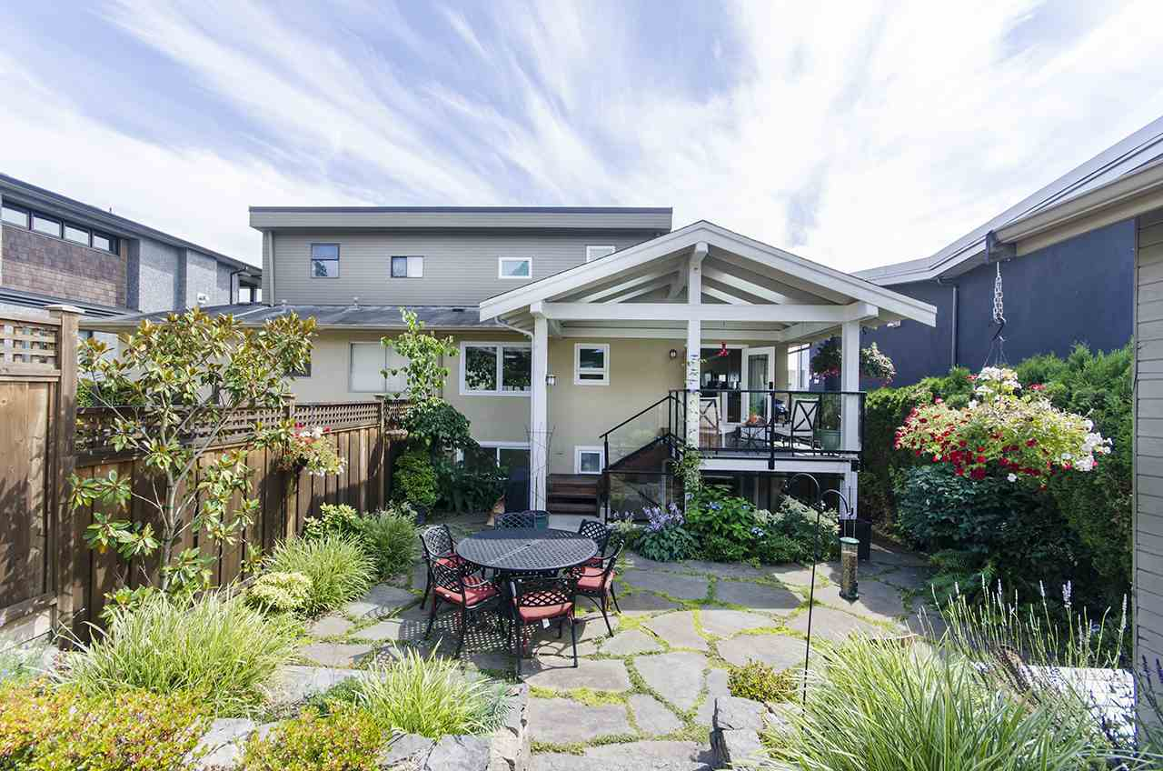 An ideal location for this 1/2 duplex!  Beautiful ocean view for watching passing cruise ships and taking in the dazzling lights of Lions Gate Bridge! Gorgeous master suite on the upper floor with walk in closet, full 5 piece ensuite and a sunny south facing balcony. Nicely updated kitchen and covered outdoor sitting area - perfect for entertaining!  The downstairs was previously a 2 bedroom suite so just add a stove and you have a great mortgage helper or in-law accommodation. The backyard is beautifully landscaped and maintained.  Just minutes walk to the beach, shopping in Ambleside and Park Royal, and schools - doesn't get better than this!
