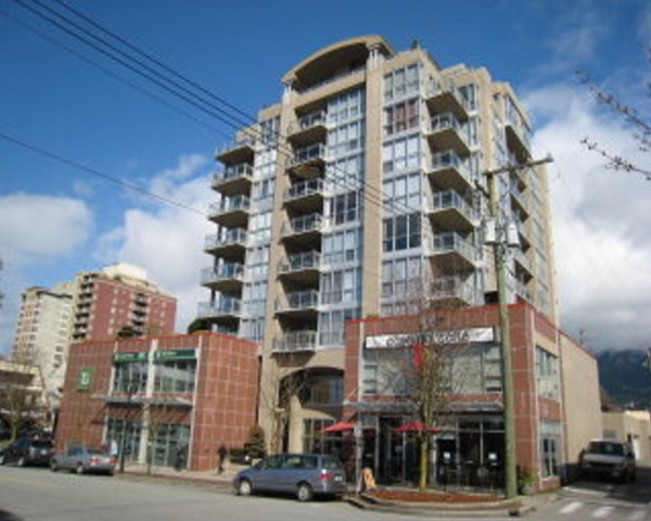 Piermont ... most sought after building in the area. Noted for being a well kept Boutique building. 2 BDRM corner unit. City/water view S/E corner. Note 2 parking spaces, two balconies, two baths. Only 10 floors very personal private atmosphere. No rentals/pet friendly. New appliance/paint. Floor to ceiling windows, very bright Open kitchen. Gas fireplace. Immediate possession.