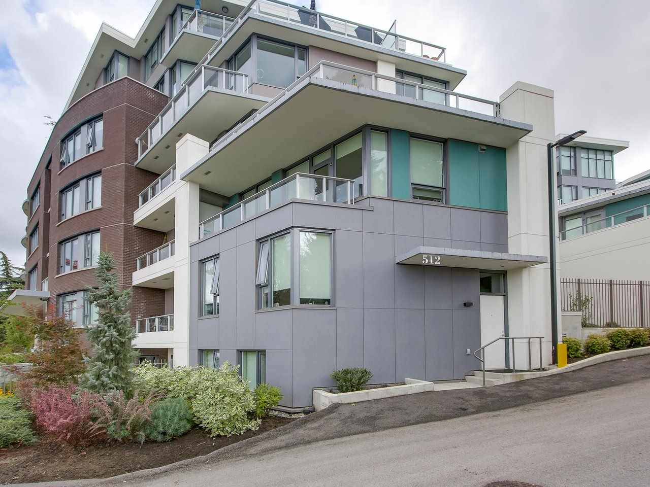 Corner unit Concrete Townhouse in the best location of Cambie Corridor on the quiet side of the street and right across QE Park.  This 2 year old 3 level concrete townhouse has 3 Beds + 4 Baths and comes with private garage + additional parking and storage.  High end appliances and luxurious interior finishing with own heat pump in the unit.  Beautiful view of downtown from upstairs living room.  Few minutes walk to King Edward Skytrain station and close to shops and many other amenities.  School catchment for Emily Carr Elementary & Eric Hamber Secondary School.