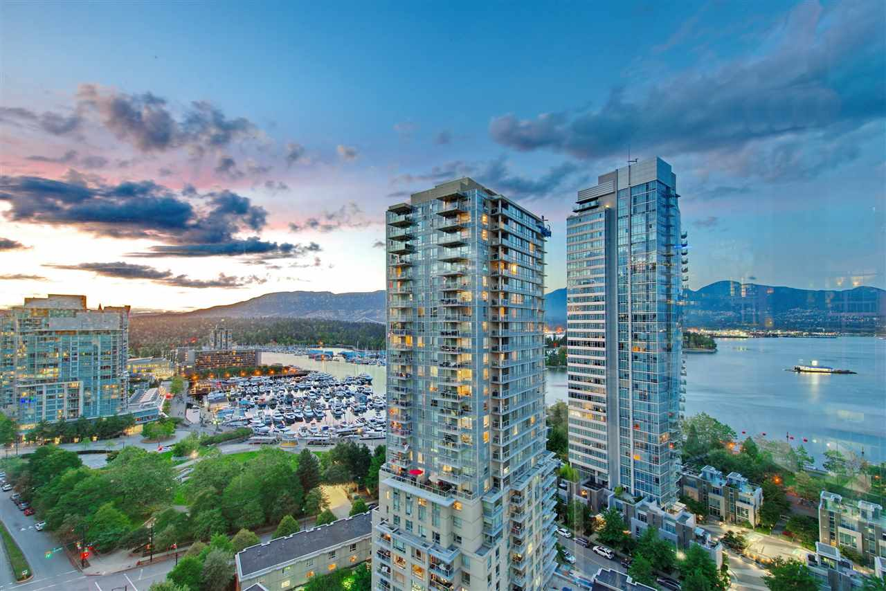 PALLADIO! Enjoy spectacular VIEW of Coal Harbour, the marina, Stanley Park and the Northshore mountains. Located within a block of Urban Fare, the Seawall, Coal Harbour Community Centre, restaurants, coffee shops and minutes to Stanley Park. Enjoy your living with large floor to ceiling windows, high ceiling, hardwood floor and much more! Very well managed building and well maintained until by owner. Rental & Pet OK and the BEST parking spot in the building. Come and see, call today for your private viewing!