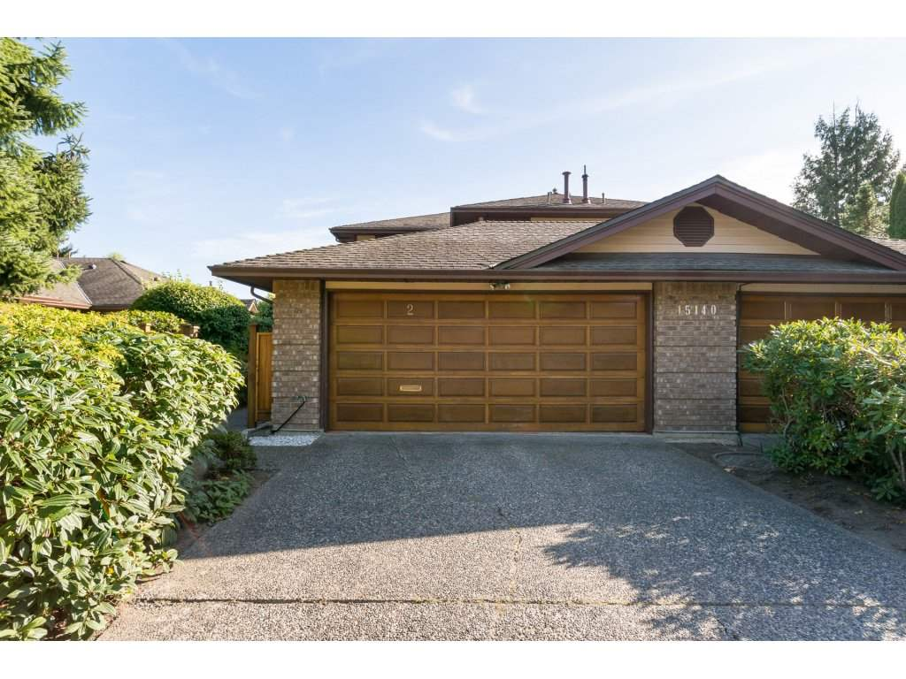 OPEN HOUSE SUNDAY OCTOBER 15TH 1-4PM ROSEGATE! DUPLEX STYLE TOWN HOME IN SOUTH SURREY! This is such a lovely community. This is a updated beautiful town home in an adult community. Hardwood flooring, sunny solarium, high end appliances, amazing ensuite, freshly painted, crown mouldings and more. This home has windows everywhere allowing for natural light to shine in. The den area is huge, makes a great office. Walk to all the fabulous shops, mall, restaurants, coffee shops and pubs. Very close transit access, short ride to lovely Marine Drive. Go for a stroll along the pier, have a snack at one of the awesome restaurants and enjoy the view and take in the sunshine!