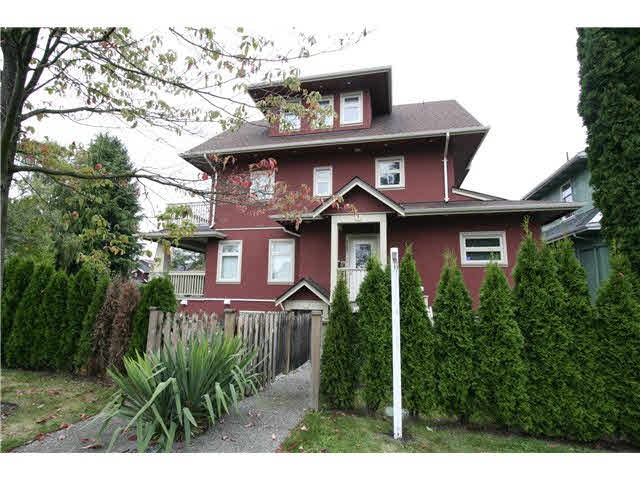 Court order sale, here is your opportunity to buy a two bedroom t-home in a great area. Allow time for showings. Tenant occupied. Next showing at OPEN HOUSE Sunday February 18th 2-4PM.