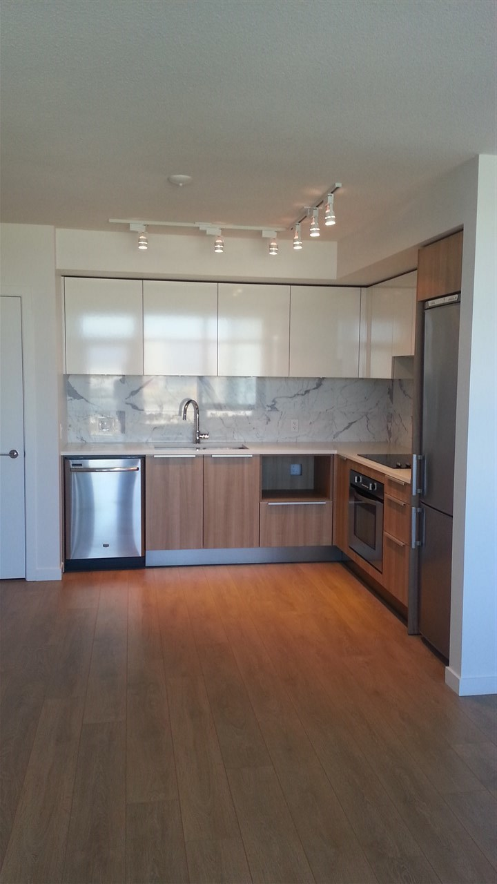 Metroplace is located very conveniently directly across from Metrotown and Skytrain!  Thoughtfully designed one bedroom with Northern view facing city, mountains and mall. Gym, Yoga rm, no parking & one storage. Rent $1607.35/mth.