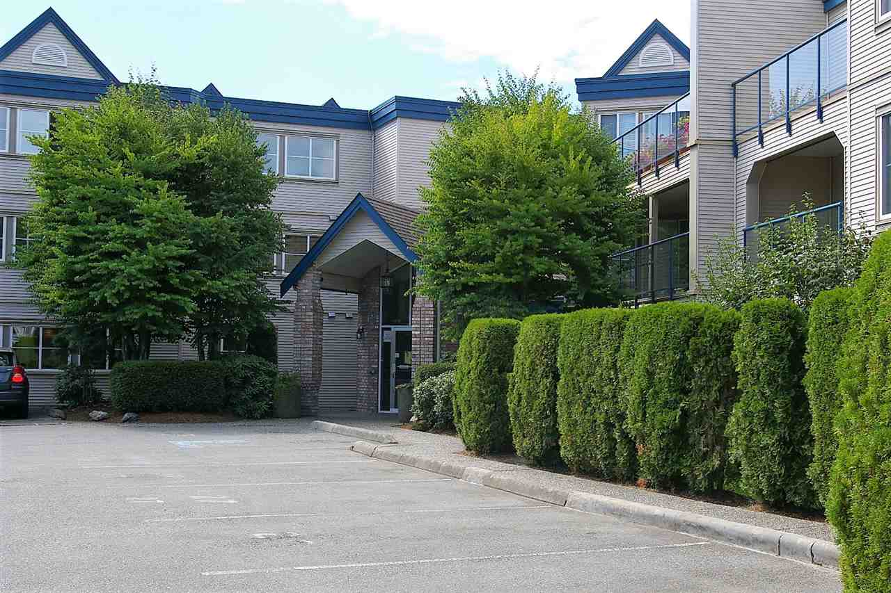 This spacious 2 bdrm second floor unit is move-in ready! Terrific south-western exposure w/lrg windows & private balcony to take in the beautiful mountain views. Kitchen has ample cupboard space, new d/w & peek-a-boo opening to dining area & spacious living room with cozy gas f/p. Walk through closet between master bdrm & large 5 pc semi-ensuite. Convenient in-suite laundry. Pet allowed w/restrictions. No rentals. Call today for your private viewing!