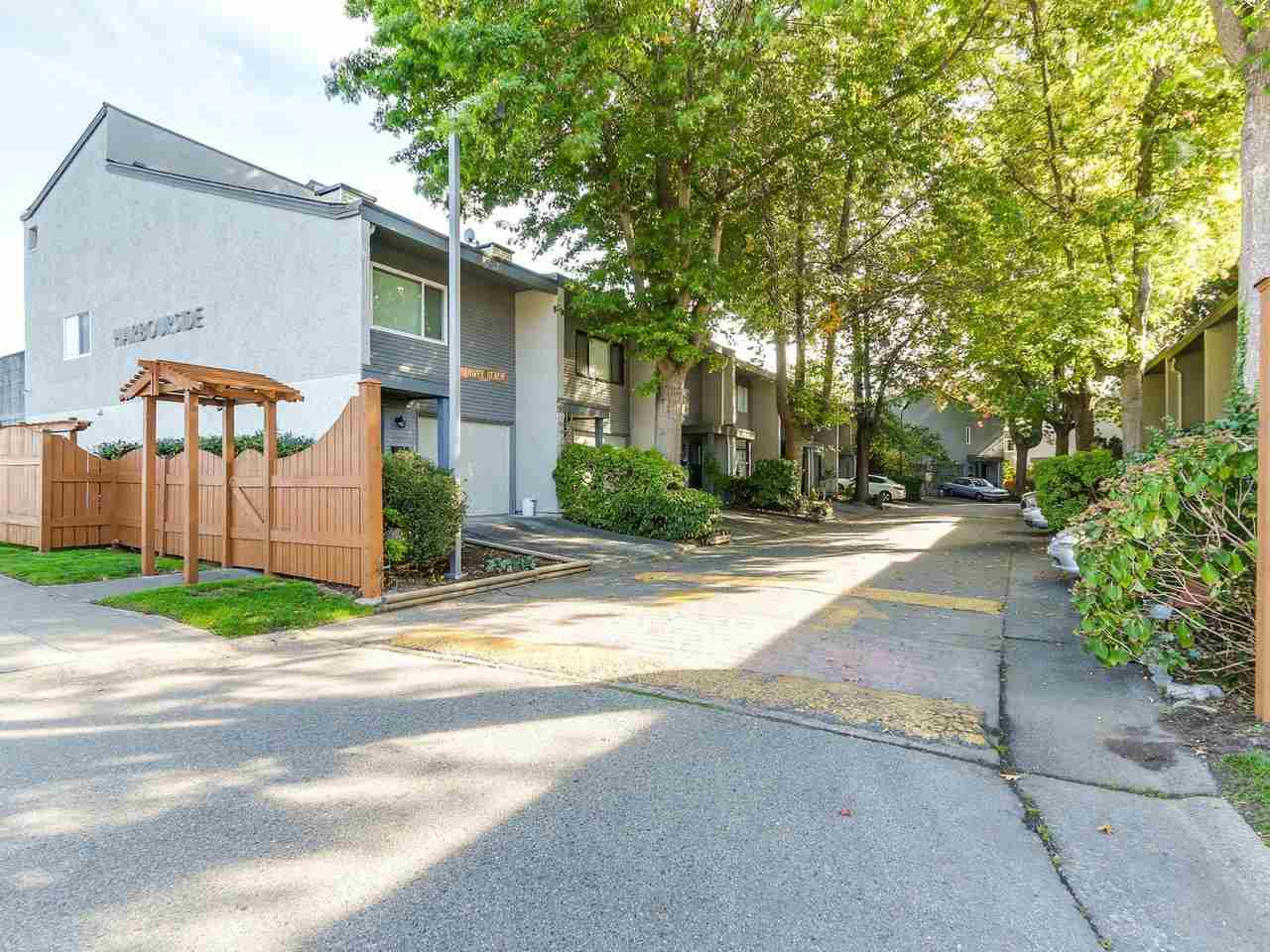 Welcome home to this spacious townhome in Harbour Side. This 3 level end unit features 3 bedrooms + den, 2 bathrooms and over 1,500 square feet of living space. Main floor features a nice kitchen, living room, dining room and master bedroom. Additional 2 bedrooms up. Lower level features a large family room and 3 piece bathroom. Central location with easy access to shopping, transit, recreation & schools. Call for more information!
