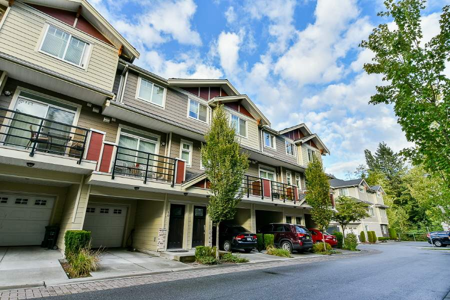 Looking for MODERN, SPACIOUS & UNIQUE all in CENTRAL location? AMAZING PRICE! Huge townhouse with more than 1,700sf! 3 bedrooms and 2full baths, 2 half bath. Open and efficient layout with huge kitchen area. Hardwood floors on most living areas with carpet inside the rooms. Bright and Big CORNER unit with lots of natural lights and windows. Easy walk to the shopping center. Priced to sell!! and MOVE-IN CONDITION! Convenient + central. Book your private viewing! Still available.........Open House on 14 and 15 October between 1-4 pm. Open house cancelled....