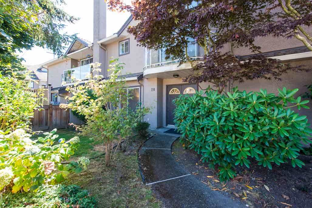 Town home with 1728 sqft of spacious living with 4 bedrooms, a Den and 3.5 bathrooms. Extensive renovations including brand new quartz countertops & a full slab back splash, high end stainless steel appliances, laminate flooring through out, new LED light fixtures, custom paint and much more. Excellent functional layout with 3 bright skylights, all south facing bedrooms & a large bedroom/rec room with a full ensuite on the top floor. Bonus huge 150 sqft balcony off the Master bedroom. One block from Homma Elementary, 5 min walk to McMath High School, Community Centre & Steveston Village.